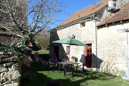 maison de village en pierres en  Périgord Noir - Florimont-Gaumier - Hus