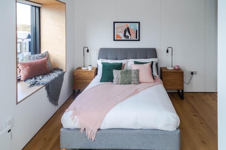 Luxurious Private En-suite room in unbeatable area
