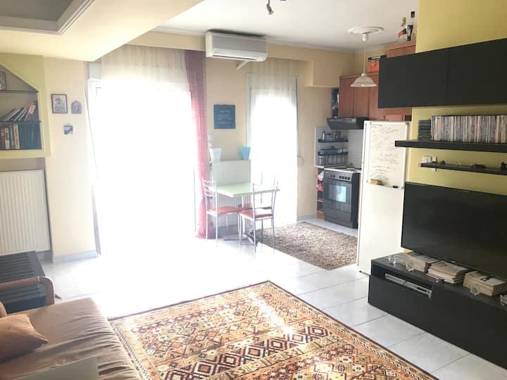 Ζεστό Σύγχρονο Διαμέρισμα με High-Tech Λύσεις