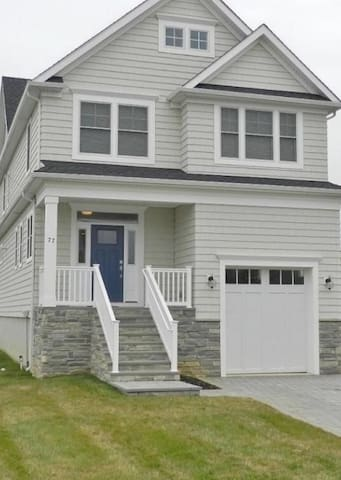 Pristine 4 bedroom home - 1 block from ocean - Monmouth Beach - House