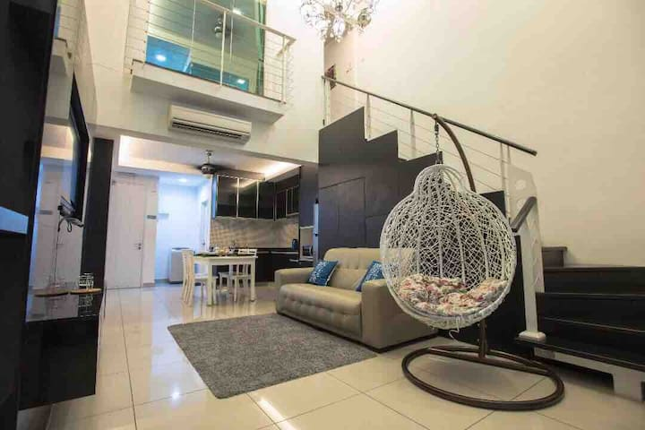 Luxury  Scott duplex 8pax Mid Valley Kuala Lumpur