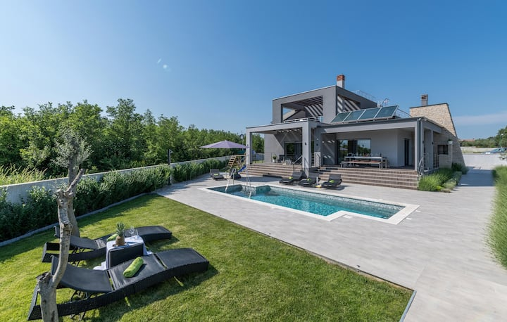 Villa Galy