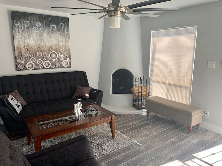 Cozy Scottsdale Casita Near Old Town - 30 Day Min