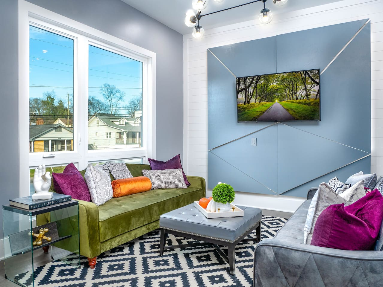 "Welcome to ""MOD about Nashville"" Nashville's most FABULOUS short term rental!"