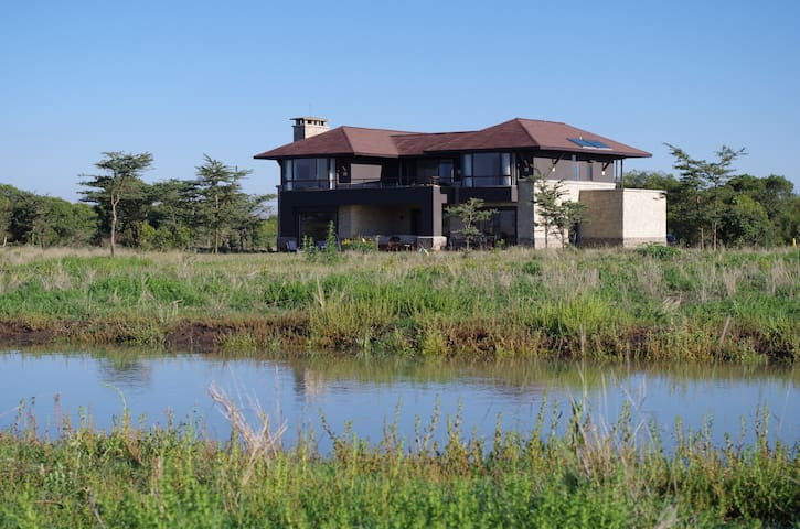 LUXURY HOME ON WILDLIFE CONSERVANCY - Nanyuki - House