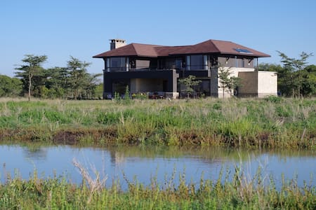 LUXURY HOME ON WILDLIFE CONSERVANCY - Nanyuki