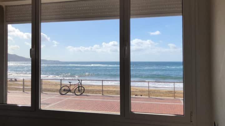 Marazul Canteras. Primera linea de playa.