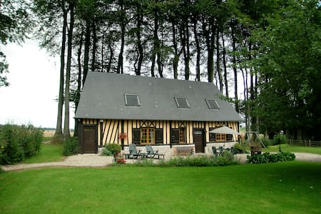 Traditional house in Normandy near the sea - Hattenville