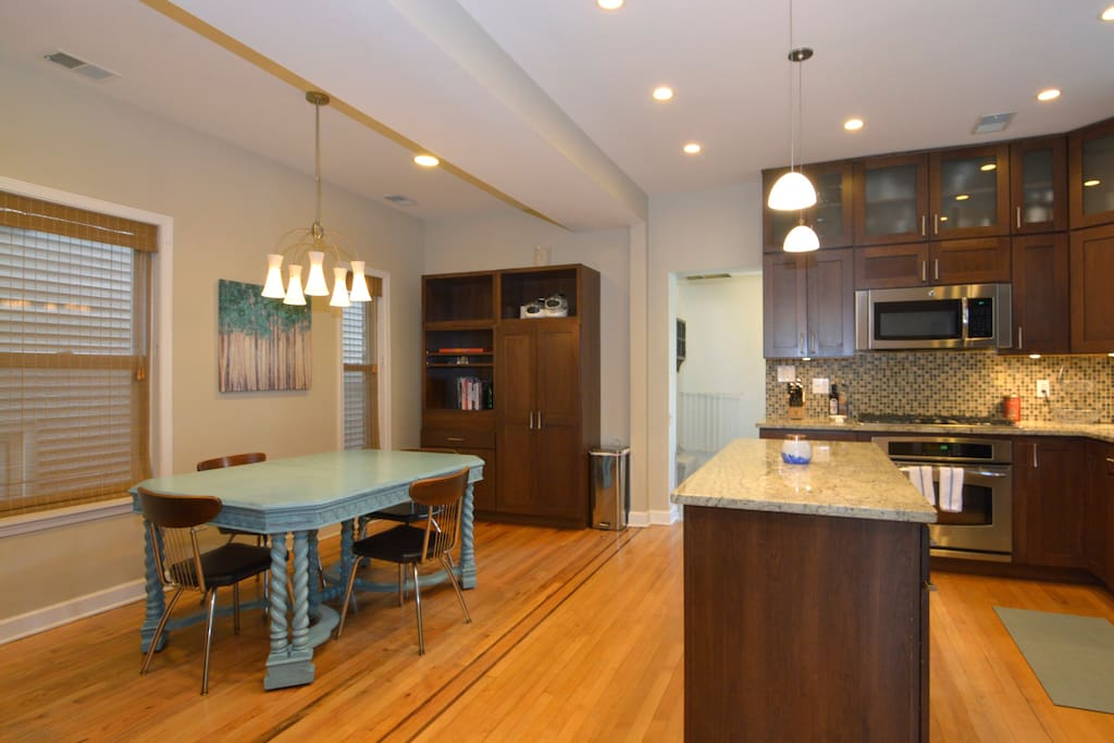 Dining area - Main Floor