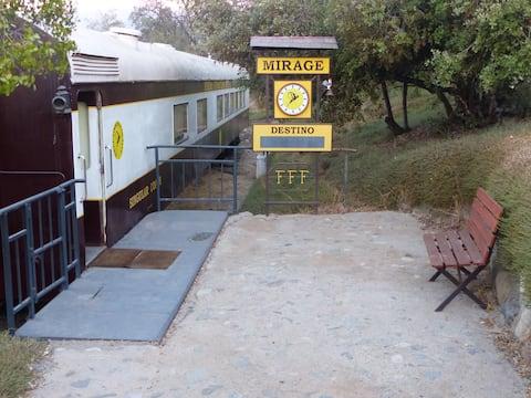 Singular Coach, un vagón de tren en Pirque