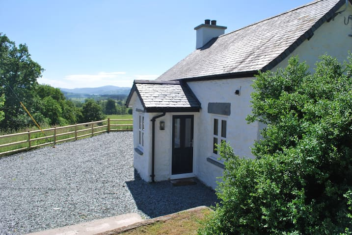 Bryn Banon Bach, a charming and romantic cottage