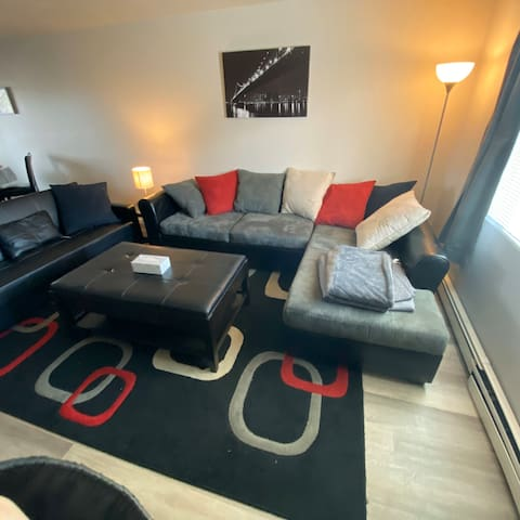 Cozy apartment near interstate, centrally located