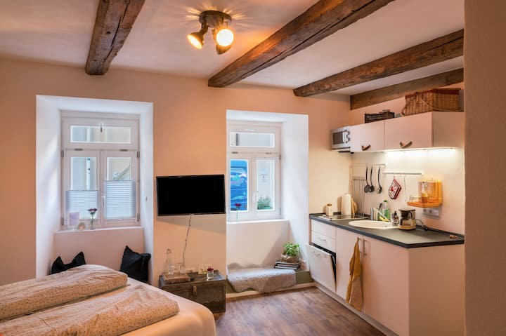 Cosy Holiday Apartment St. Johann I in Old Town Centre with Terrace & Wi-Fi