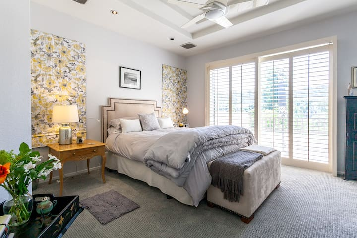 Luxury Townhome, the best amenities and location.