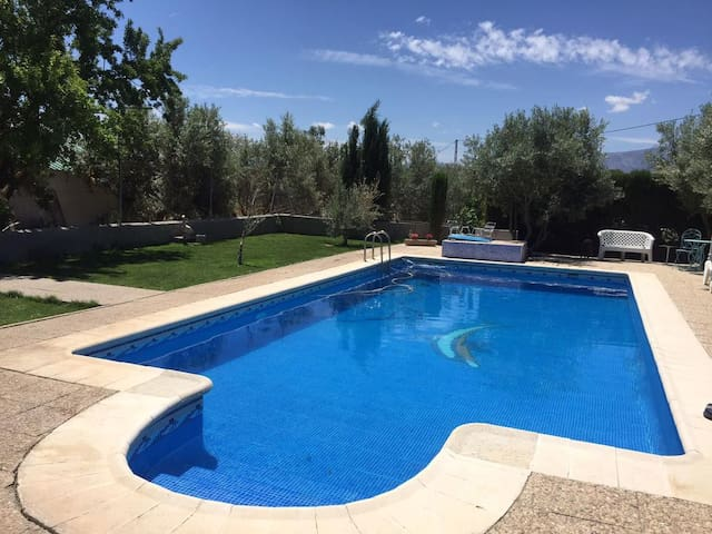 House with pool and mountain view - Baza - Casa