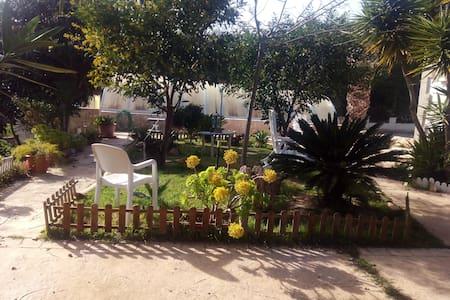 Su relajación en Vacaciones con la Barbacoa !!!!!! - Font de Sa Cala - Natur-Lodge