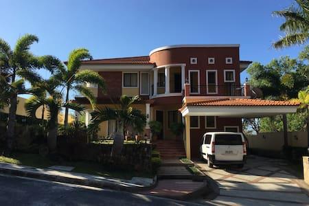 Terrazas de Punta Fuego, Nasugbu, Batangas house - 一軒家