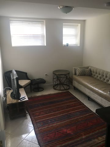 Private 1 Bedroom Apt