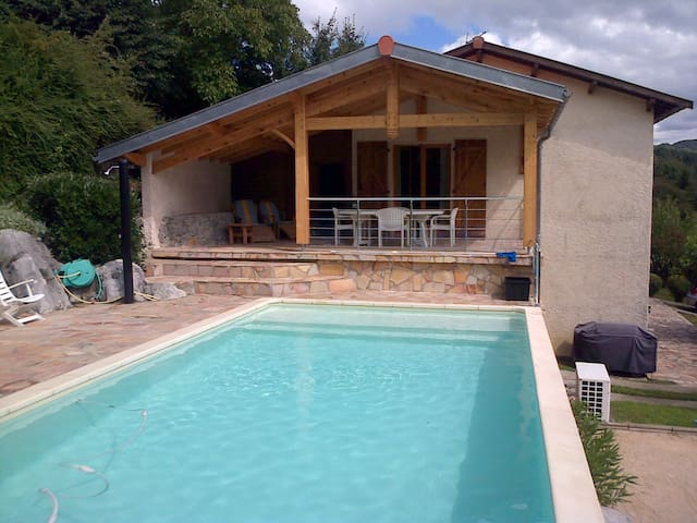 Maison avec piscine - Vue magnifique - Aspet