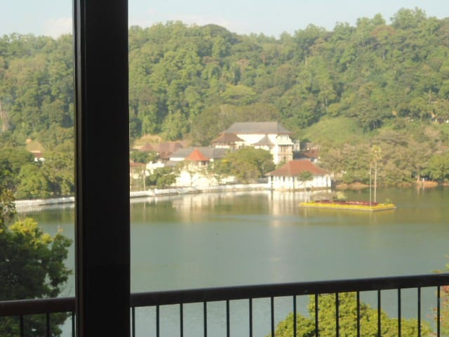 Kandy Lake and mountain view Apartment - Kandy - Apartamento