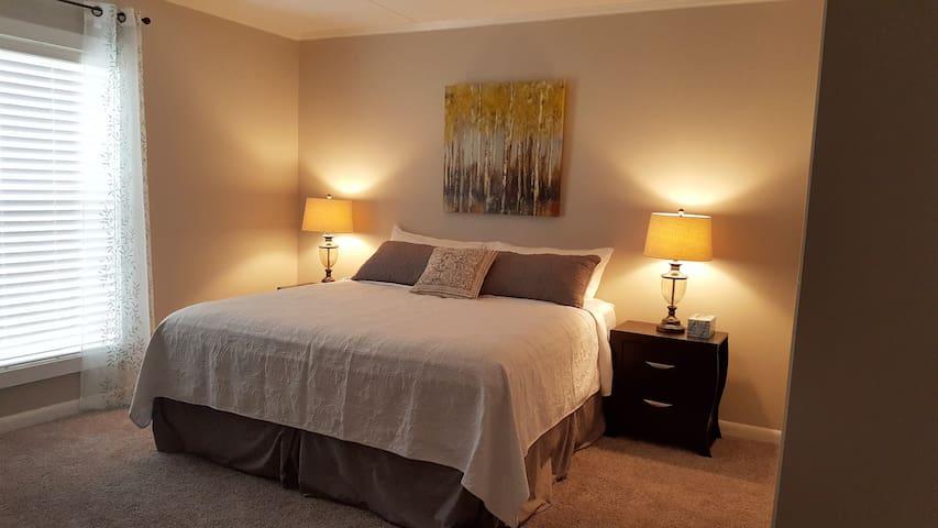 Historic 1-Bedroom Condo on Nashville's Music Row