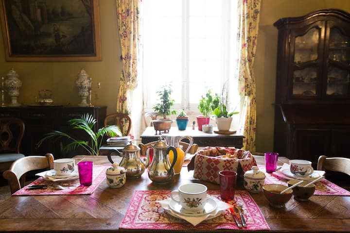 Chateau life in Bordeaux region