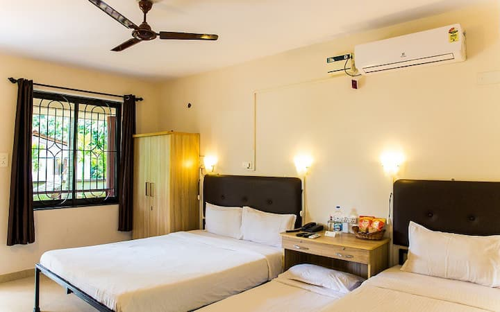 Deluxe Room Carmona Village Peaceful and Serene