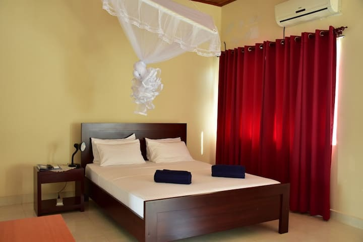 Villa Anuja - Ironwood Room - Colombo - Byt