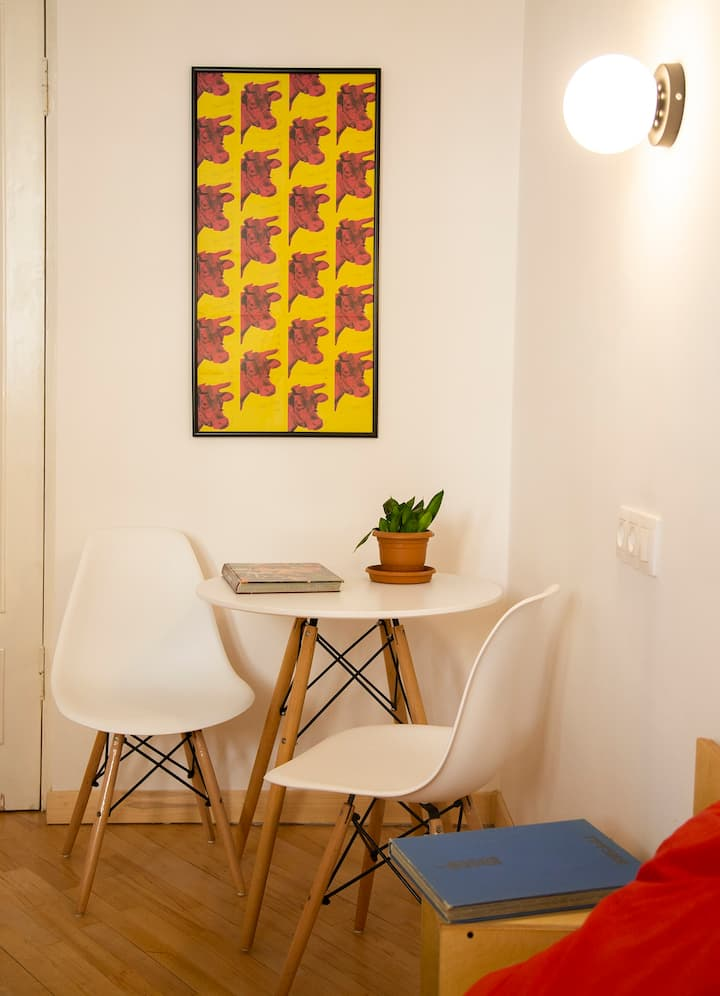 COZY APARTMENT IN THE HISTORICAL PART OF TBILISI