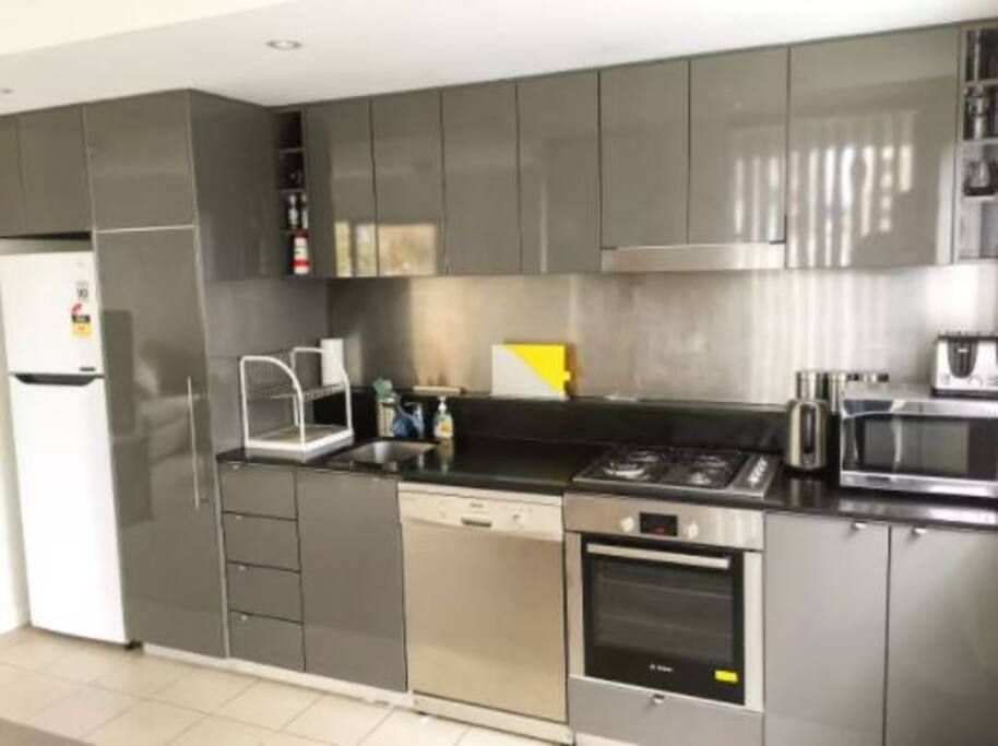 Clean modern kitchen, guests more than welcome to cook