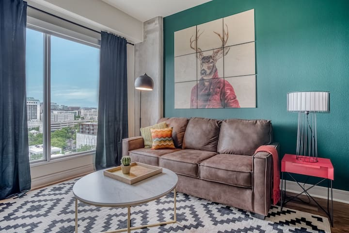 Luxury 1BR in Downtown Austin #1406 by WanderJaunt
