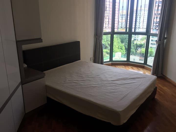Condo Master Room  (Comfy & Quiet)