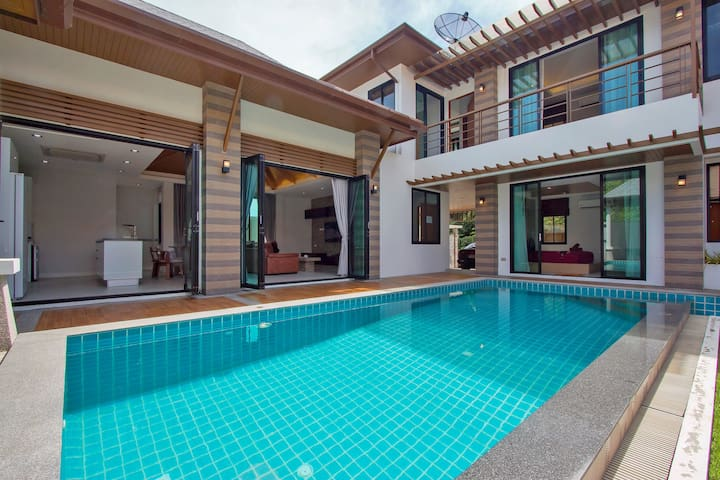 Architect's Boutique Villa, 3 bedrooms, Naiharn