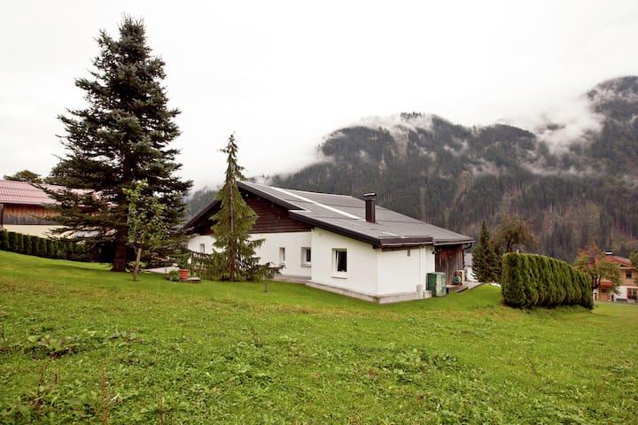 Appartement à Sankt Gallenkirch Vorarlberg avec beau jardin