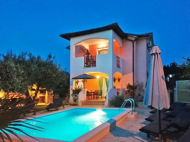house with private pool