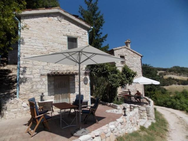 Private house in the countryside - Fossombrone - Casa