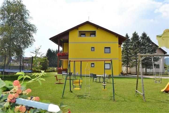 Espaciosa casa de vacaciones en Sankt Primus cerca de las pistas de esquí