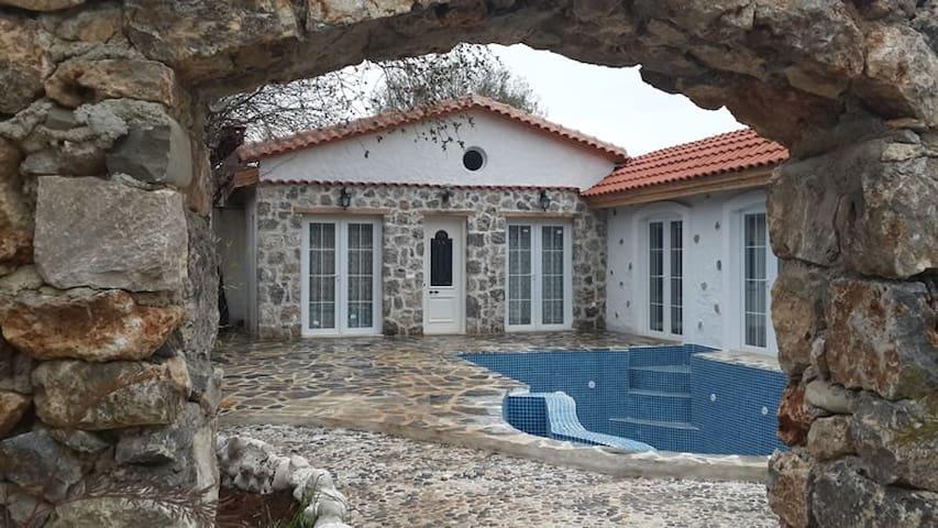 KAYA404-Fethiye Kayaköy 2 Bedroomed villa with poo - Fethiye - Huvila