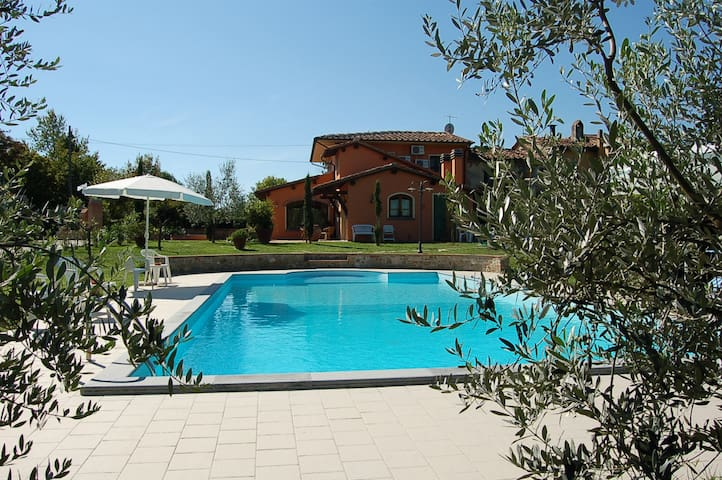 Villa la Querce, house with private pool - Querce - Rumah
