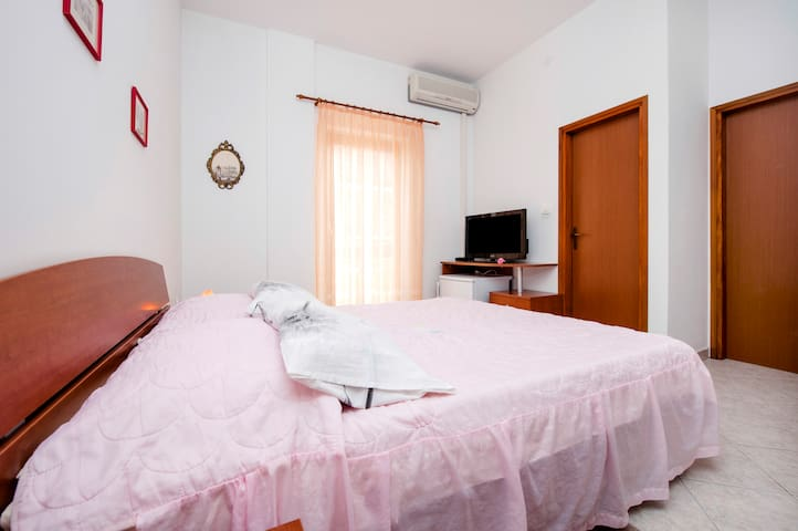 Double room4 with Balcony in Vila Dolores