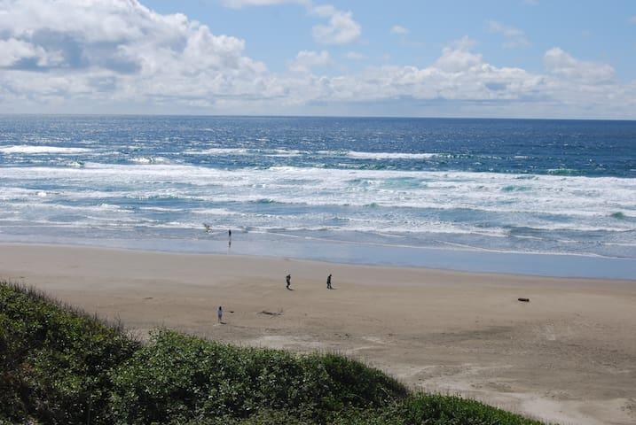 Nye Beach Views