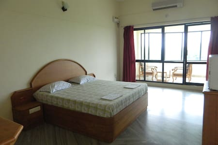Deluxe suite 8 / private sitting room & bathroom - Kanyakumari - Bed & Breakfast