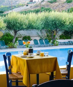 Sun, Sea, Pool & Cretan hospitality - Lasithi - Appartement