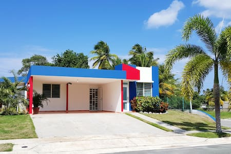 Los Corales Beachfront House! (Pool open!) - Arecibo