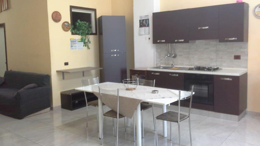 Casa vacanze - Canicattini Bagni - Apartmen