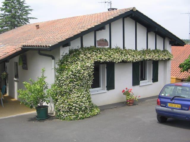 Villa agréable  avec jardin. - Cambo-les-Bains - Talo