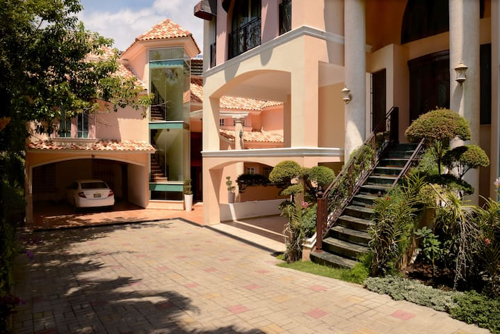 Residencial Beverly Hills III