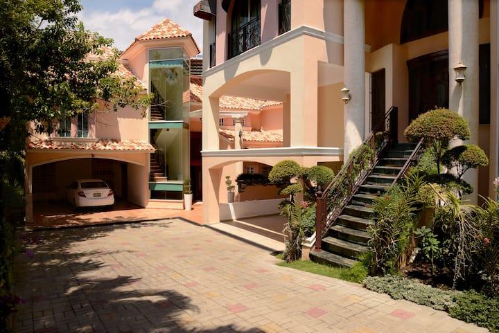 Beverly Hills Residencíal III