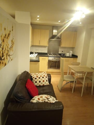 Fantastic en-suite for three in Birmingham City