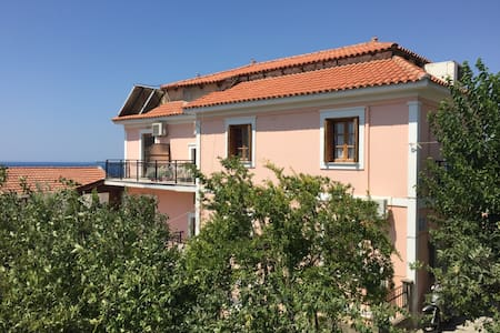 Sunshine apartment with panoramic view -Samos - Pythagoreio - Lakás